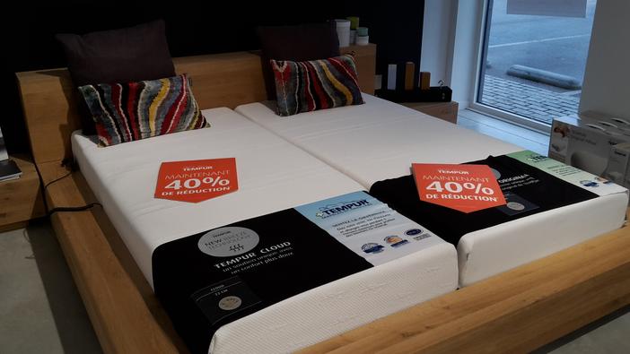 matelas tempur d 39 exposition 40 matelas tempur cloud et original breeze exposition 90 200 22. Black Bedroom Furniture Sets. Home Design Ideas
